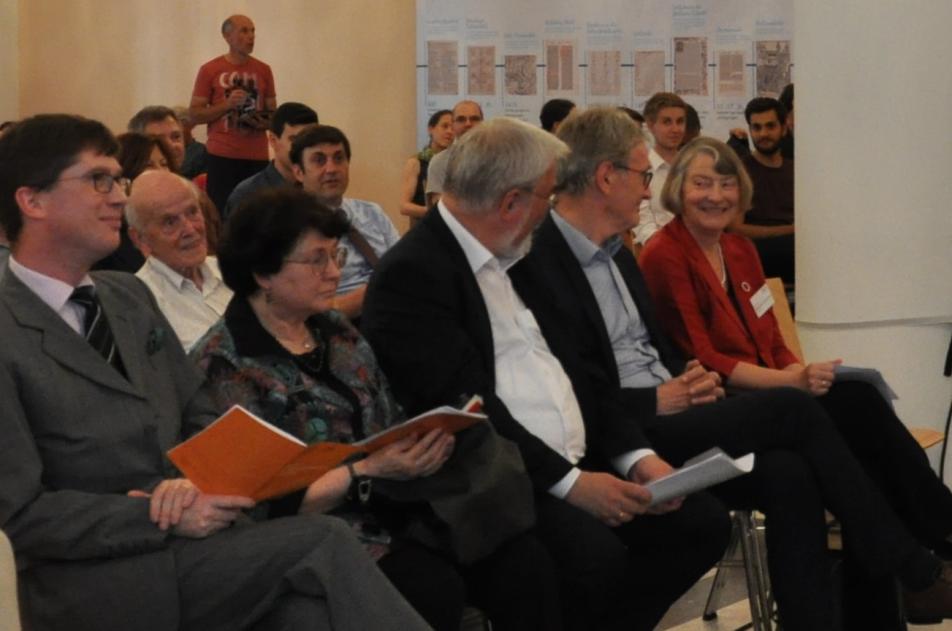 Prof. Dr. Ivan Hlaváček (2.v.l.) als interessierter Zuhörerbei dem internationalen Podiumsgespräch Juni 2019.Foto: MGH