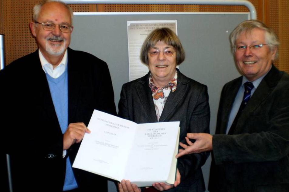 (v.l.n.r.) Prof. Dr. Wilfried Hartmann, Dr. Isolde Schröder, Prof. Dr. Gerhard Schmitz.