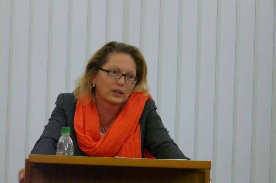 Prof. Dr. Elke Goez